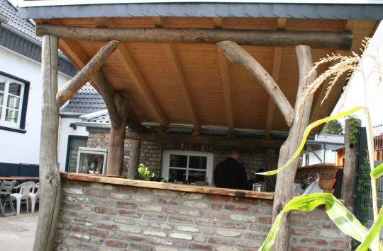 Außenküche Selber Bauen Nrw : Holzterrasse aus paletten selber bauen so geht es garten